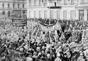 Παρέλαση στρατιωτών υπέρ των εξεγερμένων
